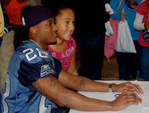 Autographs and pictures with Seahawk players